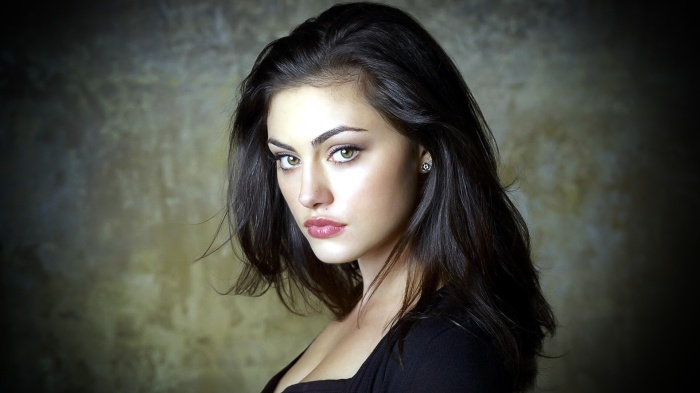 Girls___Beautyful_Girls_Portrait_of_a_beautiful_brunette_055372_